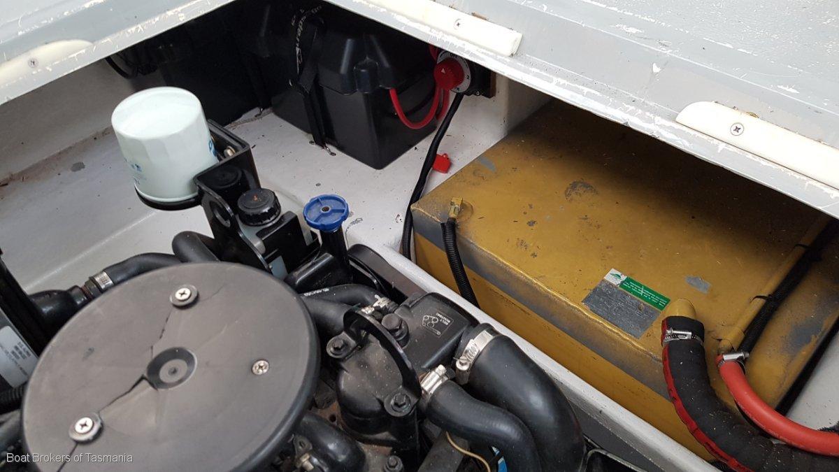 Sea Ray 230 on registered, braked tandem trailer. Boat Brokers of Tasmania