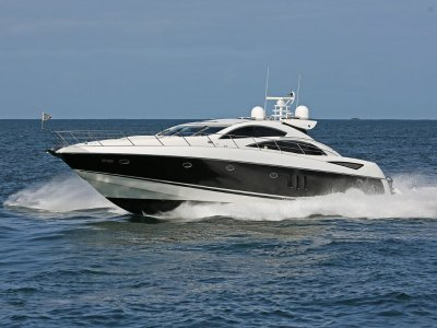 Sunseeker Predator 72 - A floating rocket!