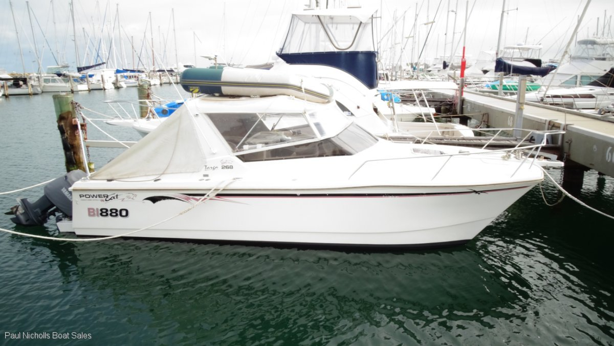 Powercat 2600 Sports Targa OFFSHORE FISHING AND LEISURE MACHINE.