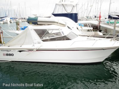Powercat 2600 Sports Targa OFFSHORE FISHING AND LEISURE MACHINE.