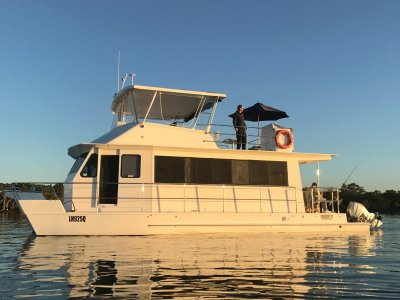 Cruisecat WE40 WEEKENDER COASTAL CRUISE RANGE