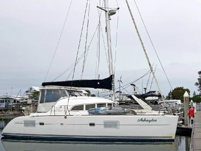 Lagoon 380 S2 2011 Owners 3 cabin version, one owner