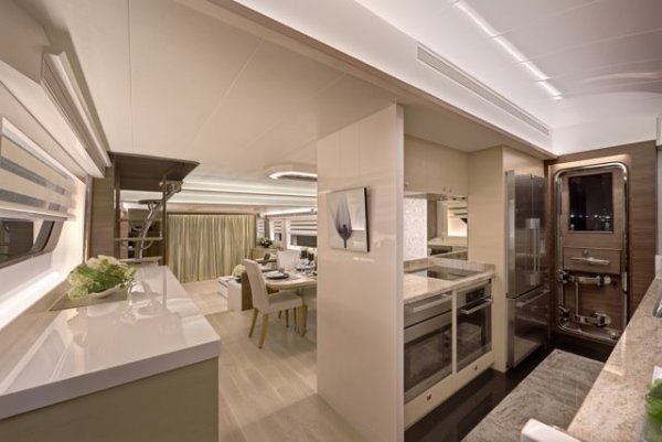 Horizon Yacht V74