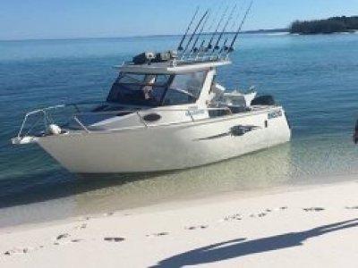 Bluewater Sportsfishing 6.8m half cab