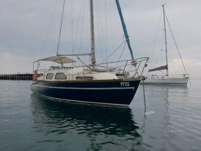 Starfire 32 Starfire 32 Fibreglass Swing Keel Motor Sail Boat