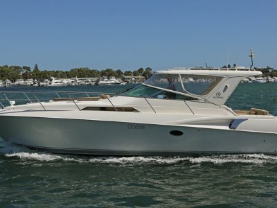Riviera M400 Sports Cruiser - New diesels in 2012. Just 148 hours