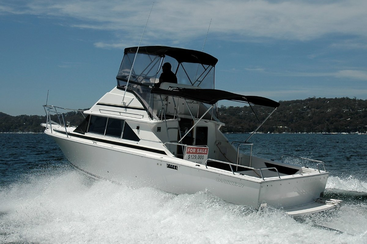 Caribbean 28 Flybridge cruiser - SOLD