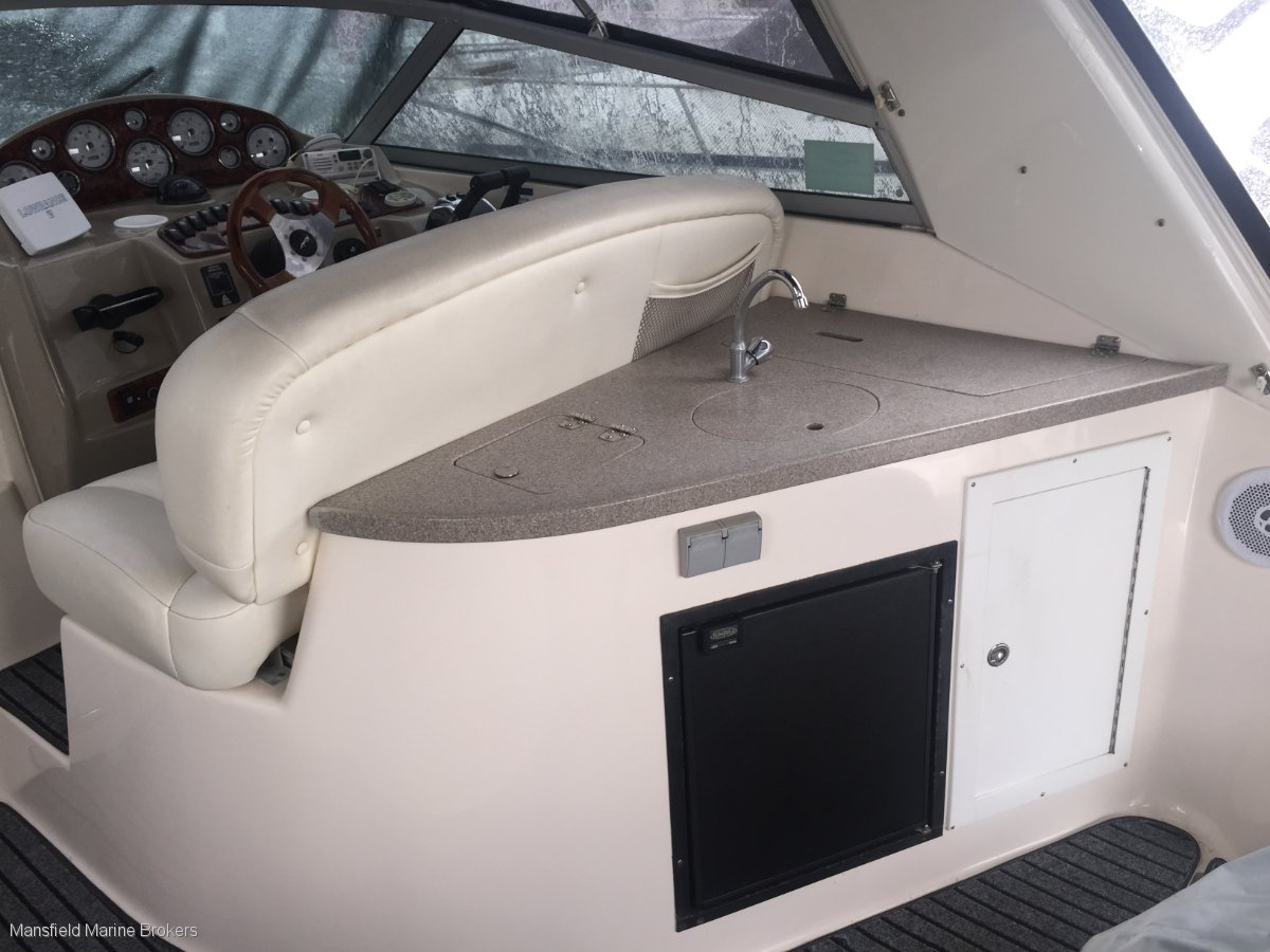 Rinker 342 Express Cruiser Fiesta Vee