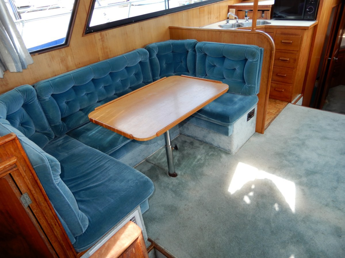 Ranger 35 Sundeck Aft Cabin GREAT ORIGINAL CONDITION GREAT VALUE