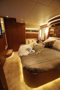 Horizon Yacht E65