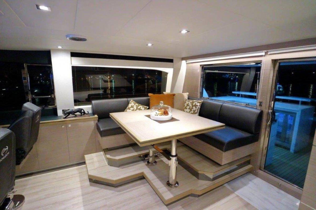 Horizon Yacht E75