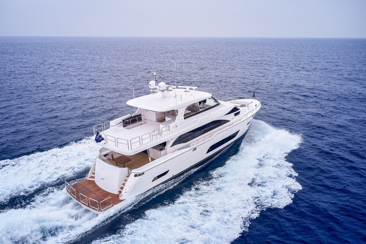 Horizon Yacht E81:Horizon Yacht E81
