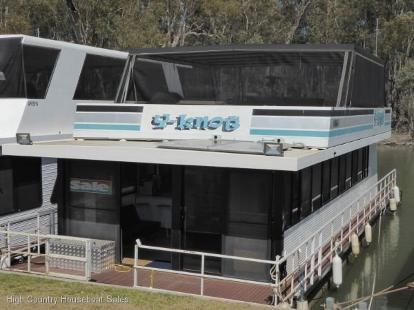 Houseboat Holiday Home on the Murray River @ DCM.:Y Knot @ DCM Murray River