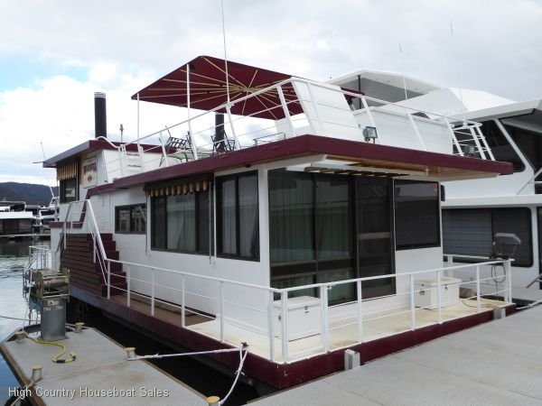 Houseboat Holiday Home on Lake Eildon, Vic.:Warriuka on Lake Eildon