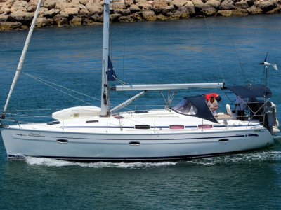 Bavaria Cruiser 39 Delivered new to WA in 2007. Very light usage.