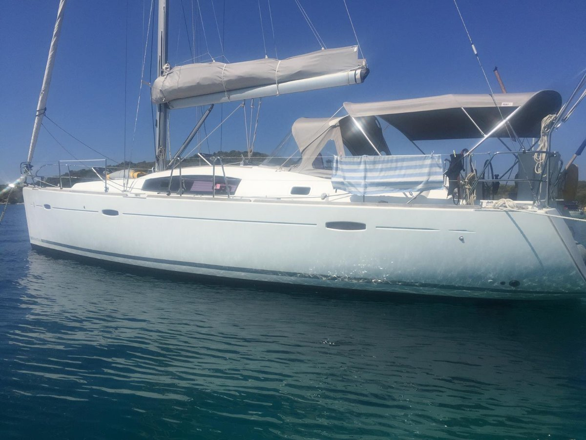 Beneteau Oceanis 43 Privately owned 3 cabin version.