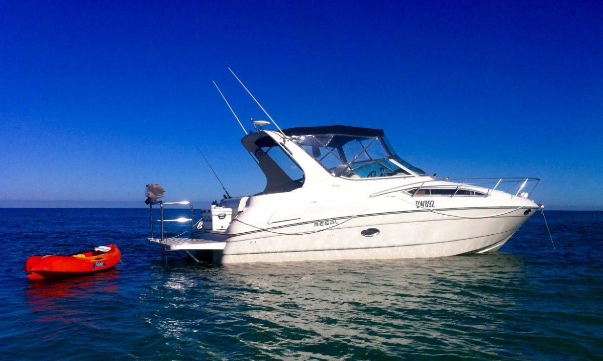Regal Commodore 292 REGAL SPORTS CRUISER 30'