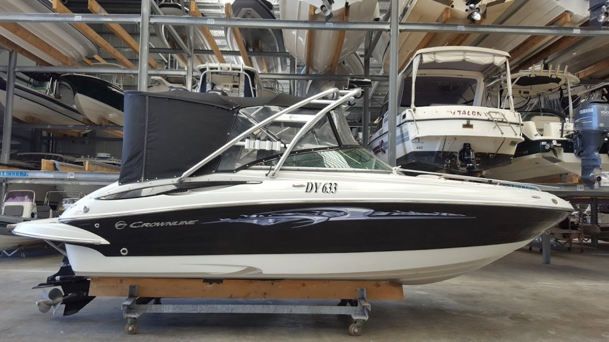 Crownline 240 LS BOW RIDER:CROWNLINE 240 by YACHTS WEST