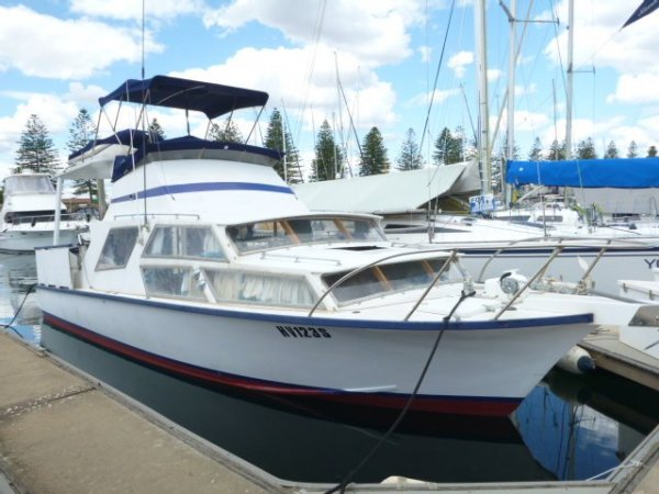 Hartley 33 Flybridge Cruiser