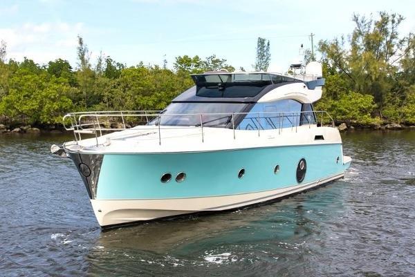 Monte Carlo Yachts 5 Flybridge