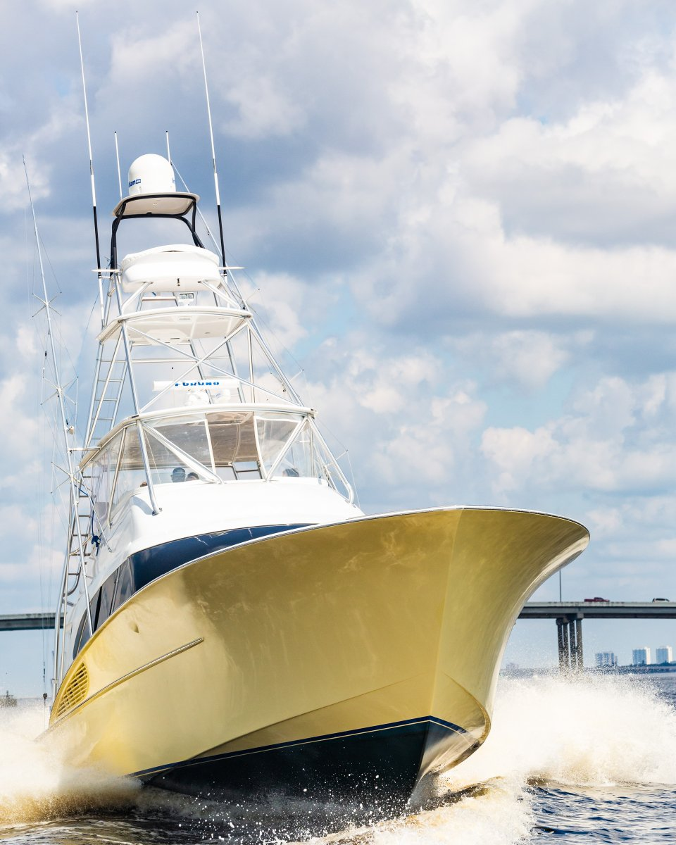 Freedom Yachts Convertible Sport-Fisherman