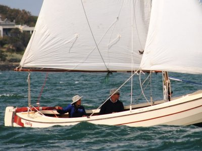 Traditional dayboat trailer-sailer; electric drive
