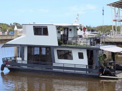 Houseboat 45 Flybridge