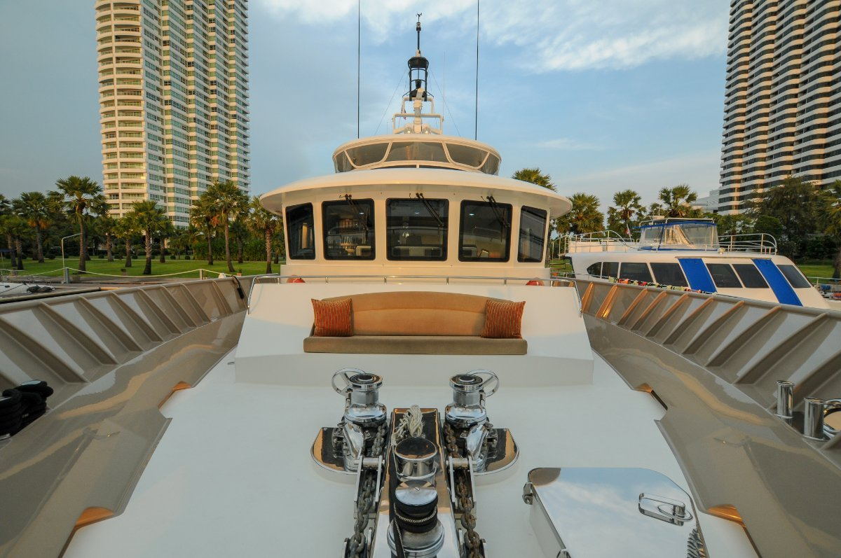 92' Custom Long Range Motor Cruiser