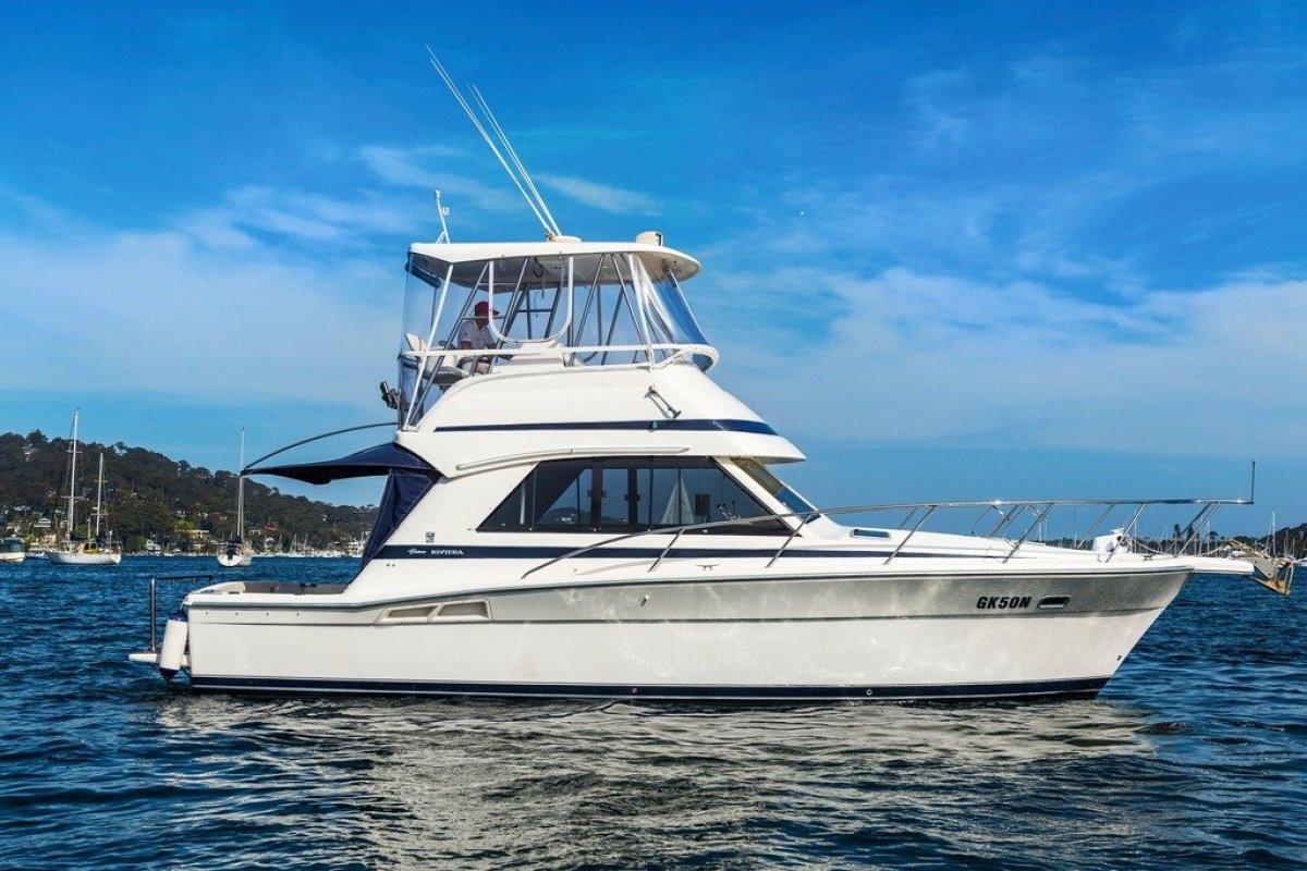 Riviera 34 Flybridge Cruiser