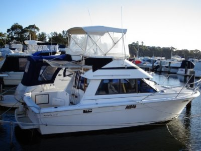 Riviera 27 Flybridge GREAT VALUE AND PRICED TO SELL!