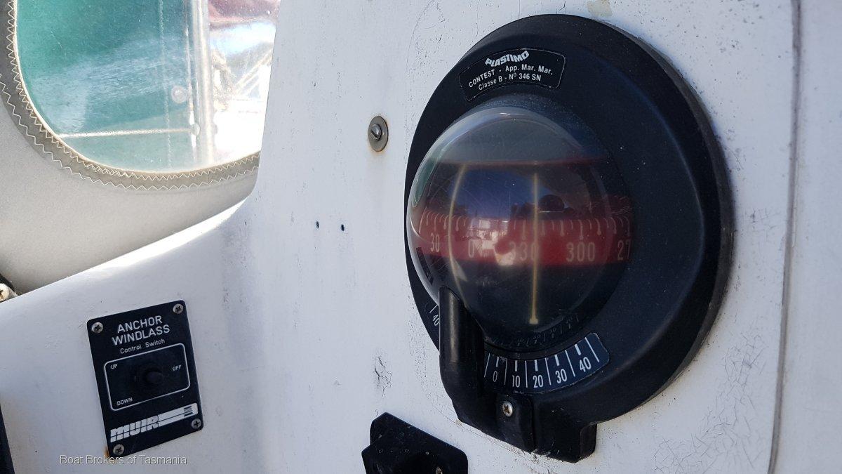 Adagio Doven 30 fibreglass sloop Boat Brokers of Tasmania