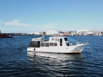 Bruce Roberts Live aboard cruising vessel
