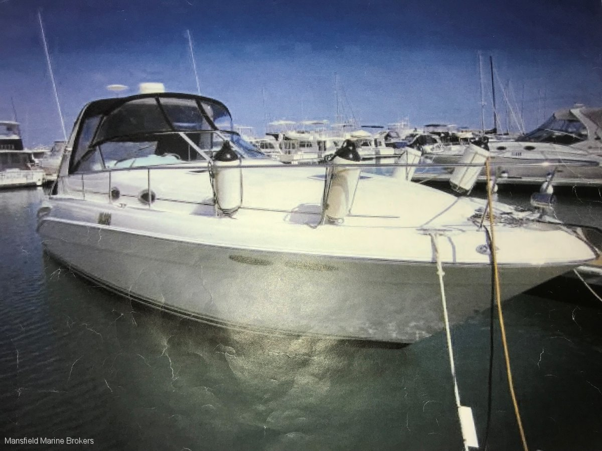 Sea Ray 365 Sundancer 340 twin shaftdrive with rebuilt engines