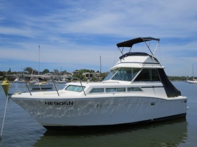 Mariner 25 Flybridge