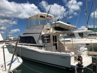 Riviera 33 Flybridge Convertible Extended to 35'