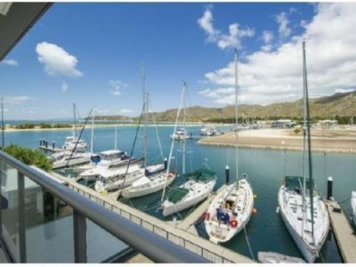 Magnetic Island Marina 12m Live aboard Berth for sale