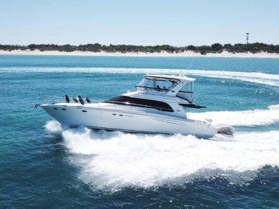 Sea Ray 480 Sedan