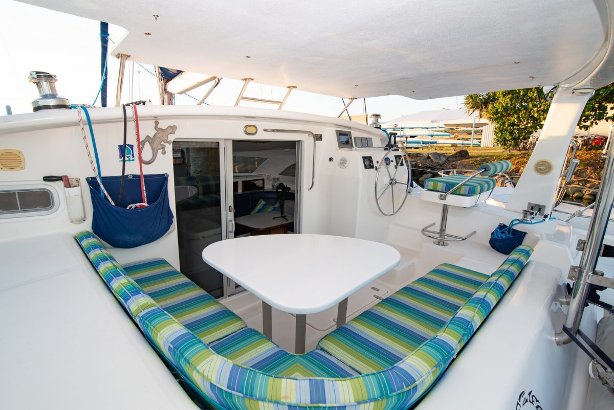 Maxim 380 - Great value 39ft Sailing Cat with many options!