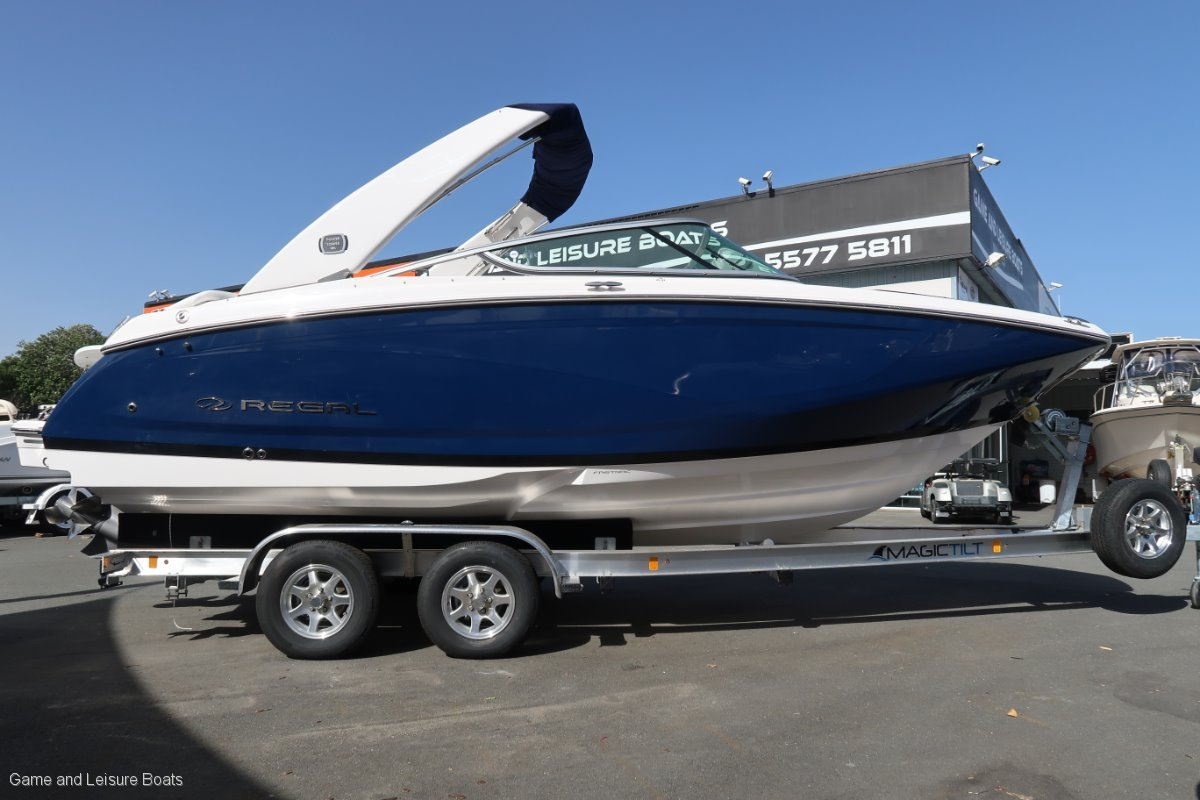 New Regal 2200 Fasdeck