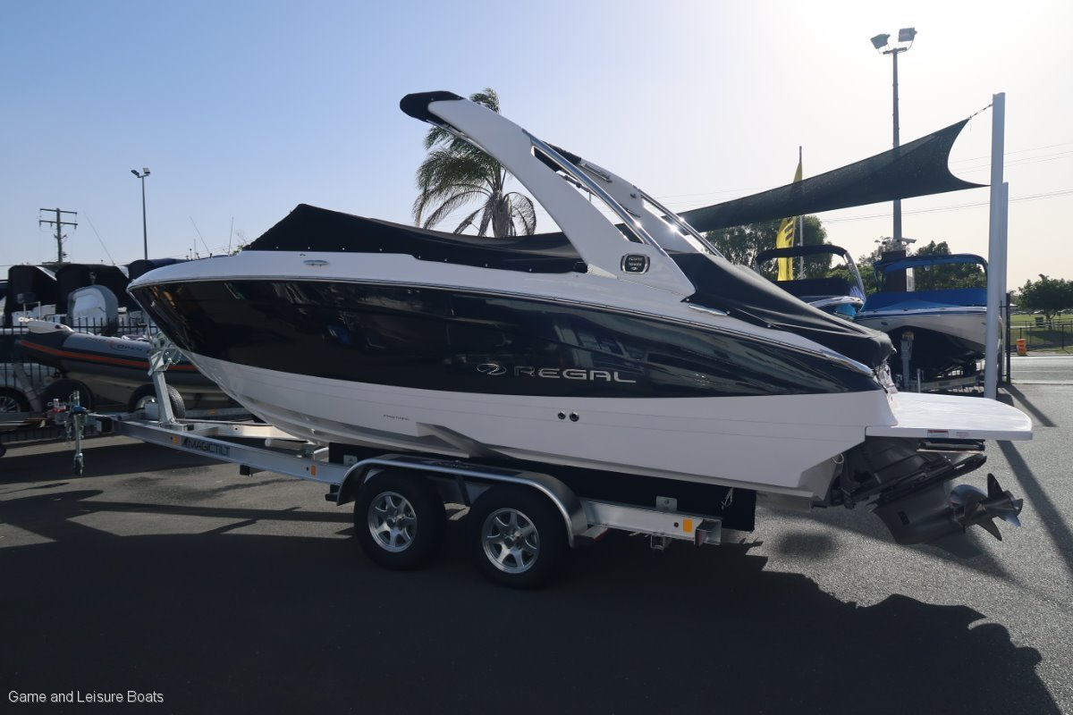 New Regal LS 4 Bow Rider - 2019 MY
