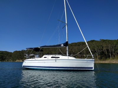 Hunter 27 Spacious boat in excellent condition