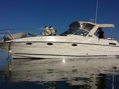 Larson 32 NEAR NEW MOTORS NEW CLEARS HUGE PRICE REDUCTION !!