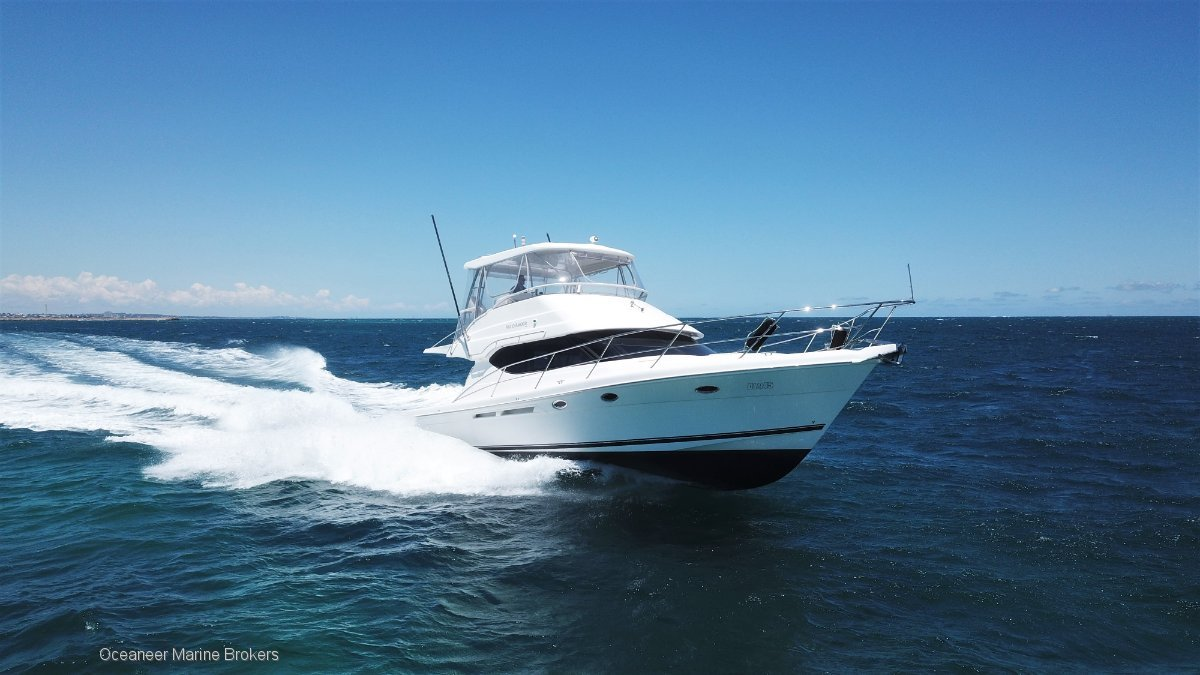 Mustang M43 Flybridge *ALL OFFERS ENTERTAINED*