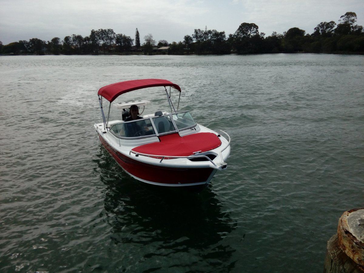 New Quintrex 481 Cruiseabout