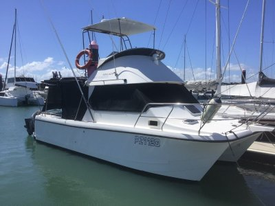 Kevlacat 3100 Flybridge - GREAT FAMILY SETUP OR SERIOUS FISHING BOAT