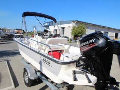 Boston Whaler 170 Montauk Centre Console