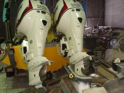 2x Evinrude outboard motors
