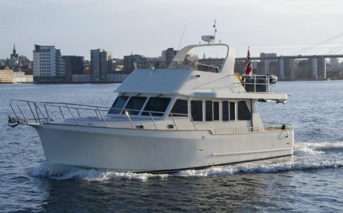 Explorer Motor Yacht 46 ( 50' LOA )