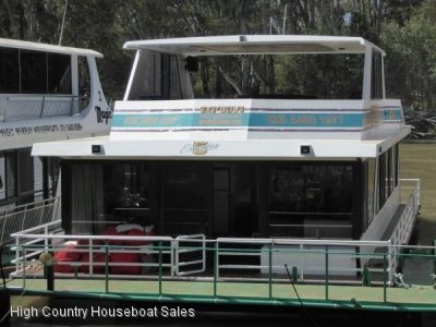 Houseboat Holiday Home on the Murray River @ Moama