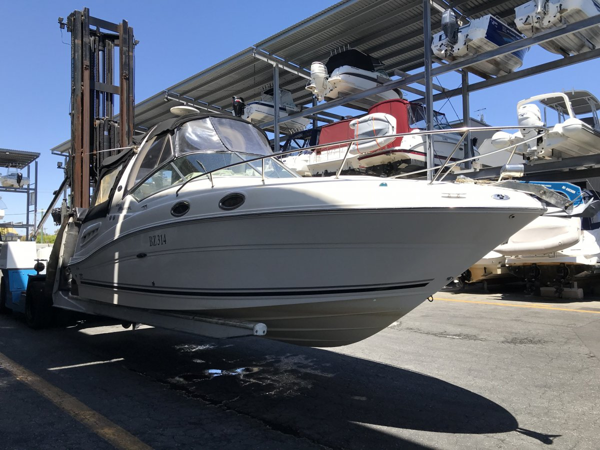 Sea Ray 270 Sundancer MINT CONDITION